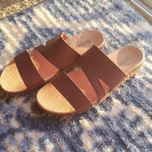 Sorel Torpeda Brown Flat Sandal EUC SZ 6.5